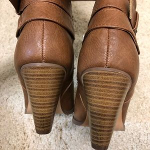 JustFab Shoes - JustFab boots sz 7